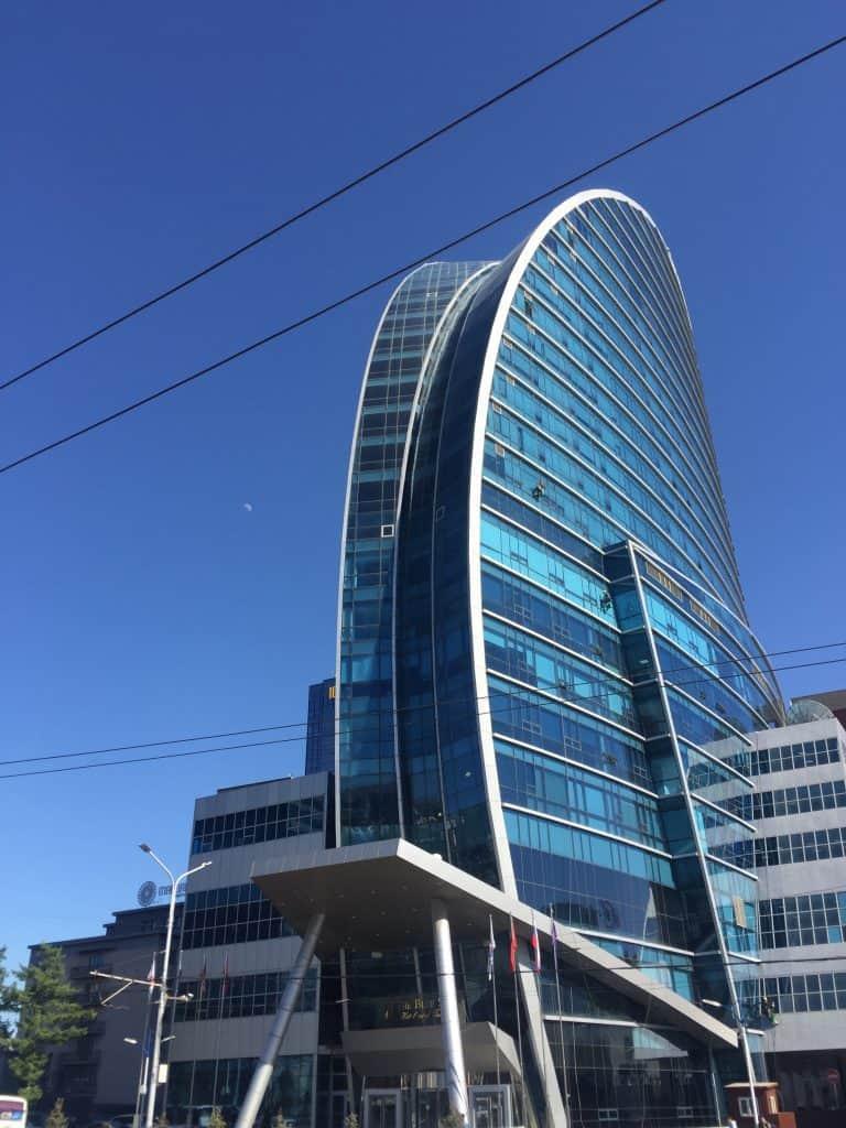 Blue Sky Tower südlich des Sukhbaatar Platzes in Ulaanbaatar