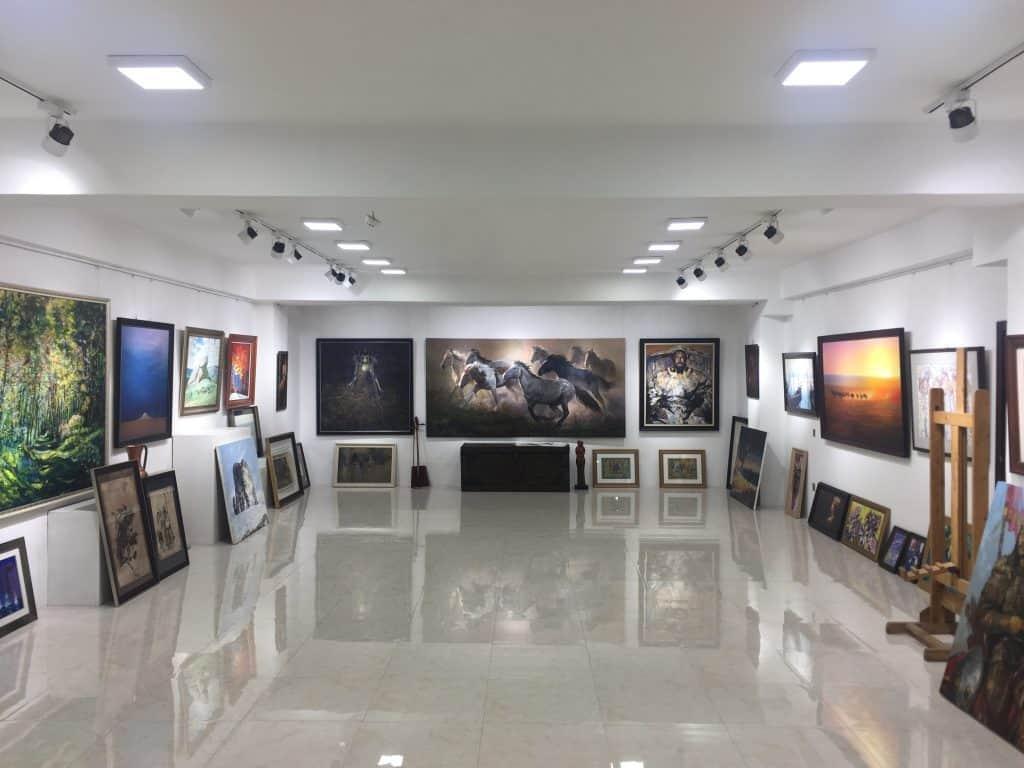 Foto des Ausstellungssaal der Ulzu Art Gallery
