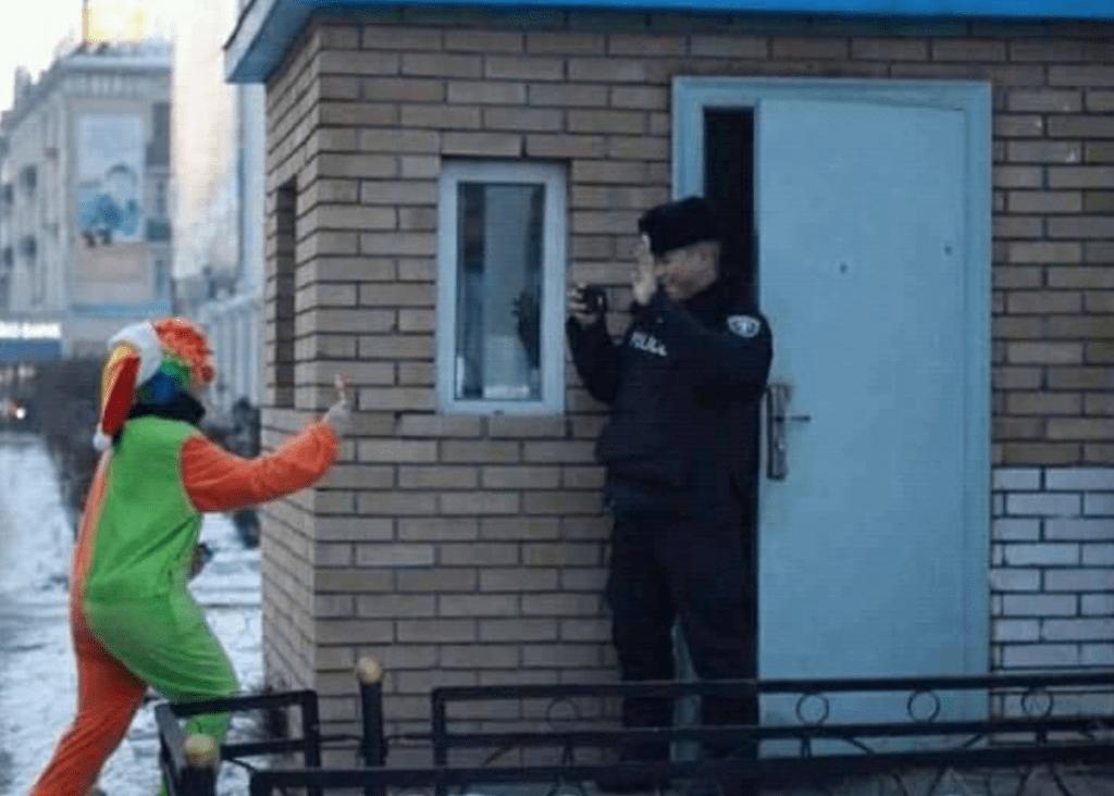 Only in Mongolia 18: Einmal Clown spielen